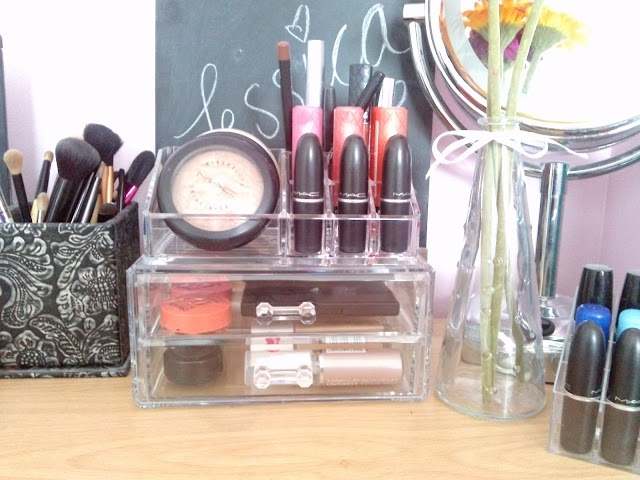 clear_makeup_storage_muji_cheap_dupe_cosmetics_organised_acrylic_containers