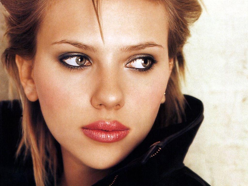 http://3.bp.blogspot.com/-YvcAK-QUBn4/Tjxc74e7PaI/AAAAAAAAMe8/56bu5FIo_2E/s1600/Scarlett-Johannson-Close-Up.jpg