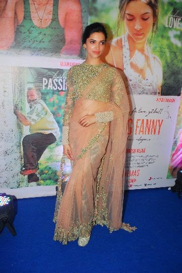 deepika hot in saree