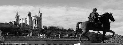 Couverture journal facebook Lyon en noir et blanc