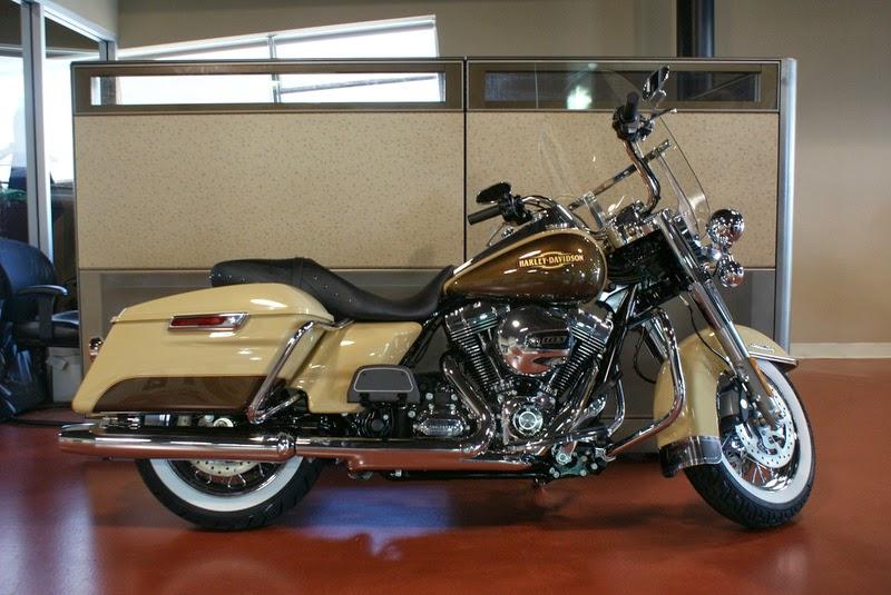 Harley-Davidson FLTR Road Glide HD Images