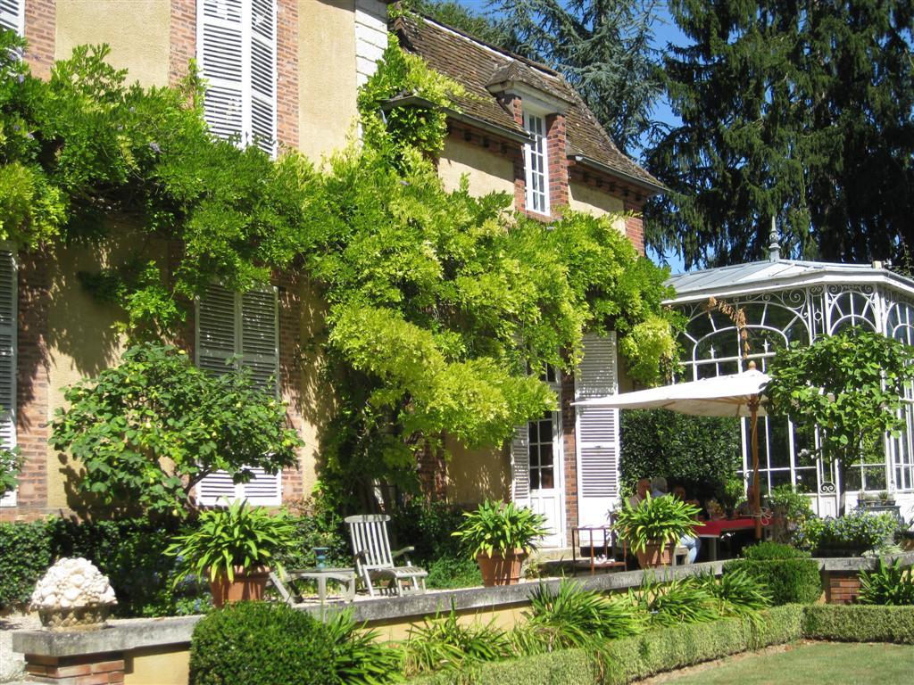The garden wanderer les jardins du grand courtoiseau france for Les jardins
