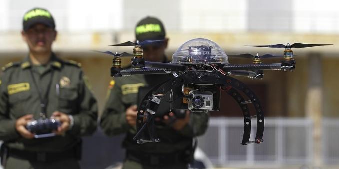 La Policía de Colombia desplegó suma 35 aeronaves de este tipo, de diferentes formas, tamaños y capacidades para realizar patrullajes desde el aire y garantizar la seguridad de los colombianos en semana santa.