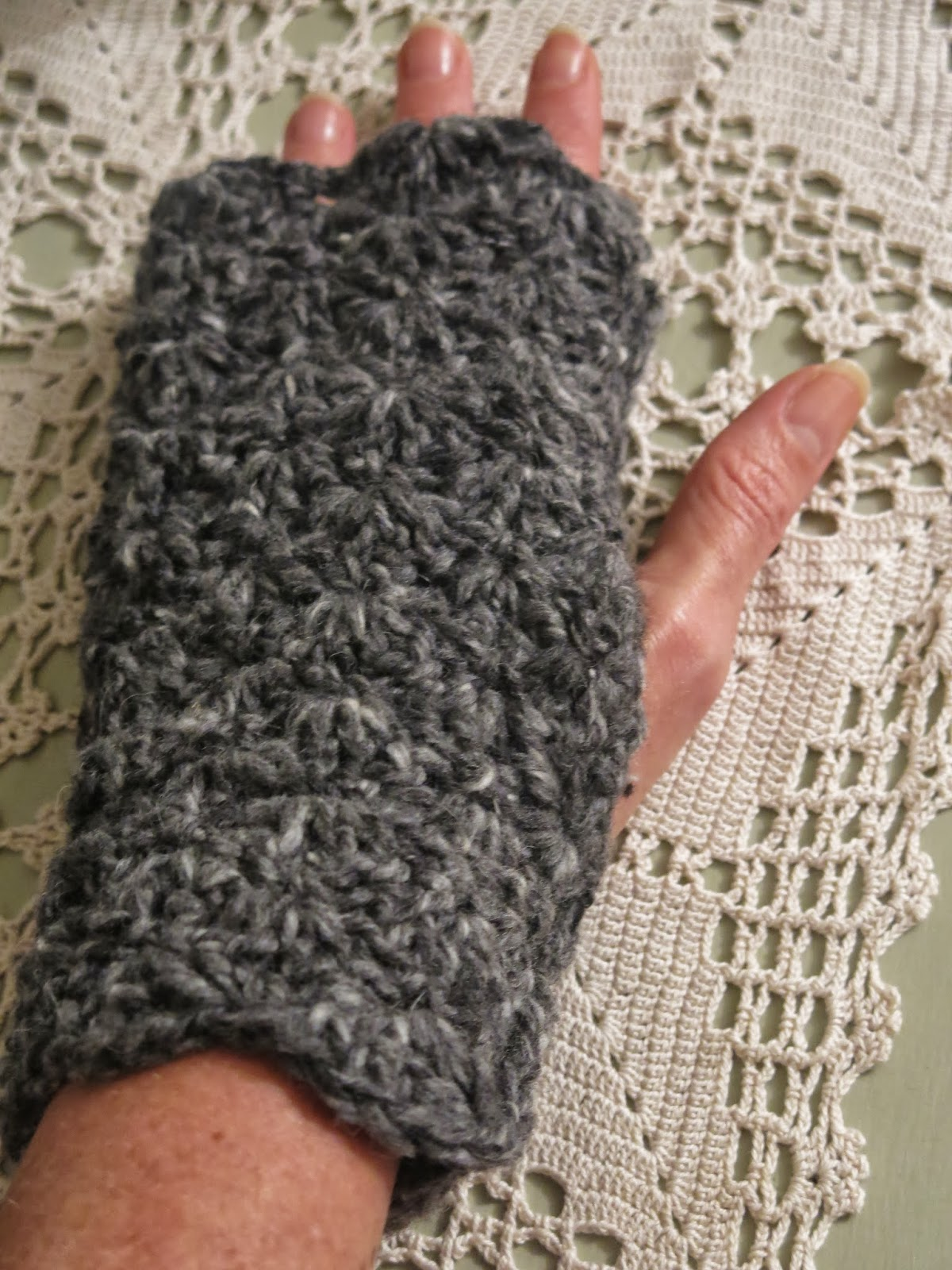 Cosmos and Cotton: Crochet Arm Warmers