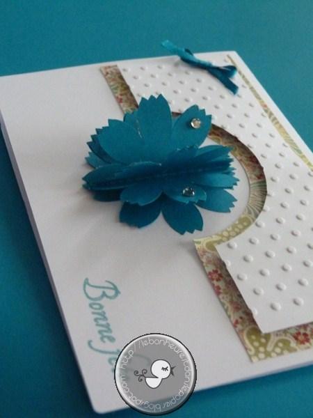 Le Bonheur Est Dans Le Papier Carte Fleur Pop Up En Relief