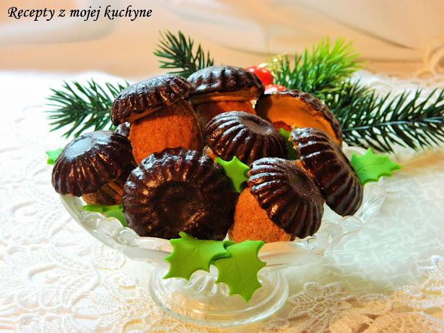 Orechové hríbiky s karamelovou plnkou