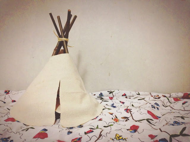 Kumory DIY: Canvas & Sticks Teepee