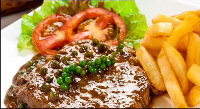 Kết quả hình ảnh cho Bò bít tết với sốt tiêu xanh ngon đúng điệu