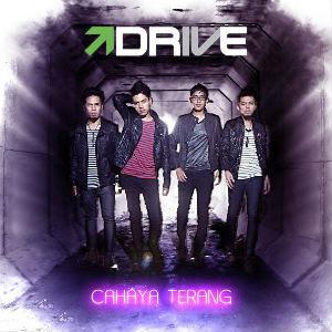 Drive%2BAlbum%2BCahaya%2BTerang%2Bmusiklo.com%2B2011 Download Mp3 Drive terbaru 2012