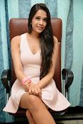Abha Singhal Glam pics-thumbnail-8