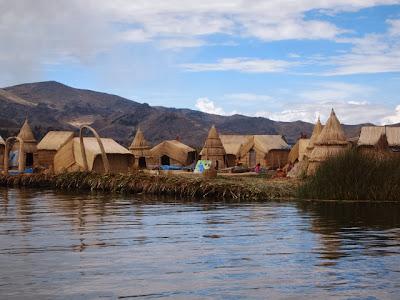 Islas de los Uros en el Lago Titicaca