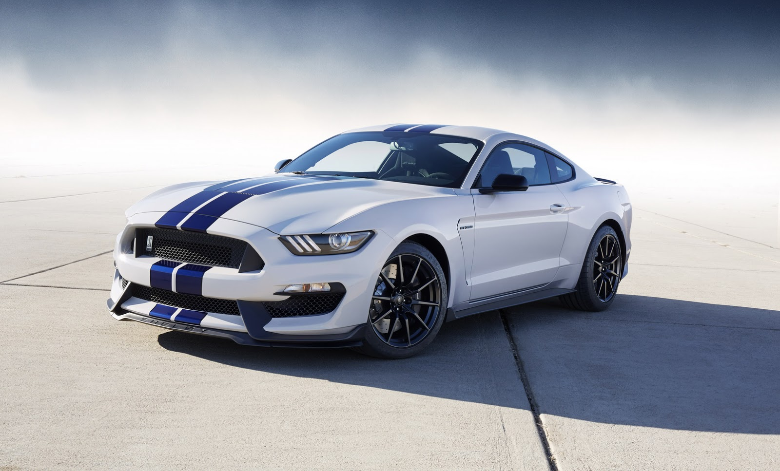 New-Ford-Mustang-Shelby-GT350-38.jpg