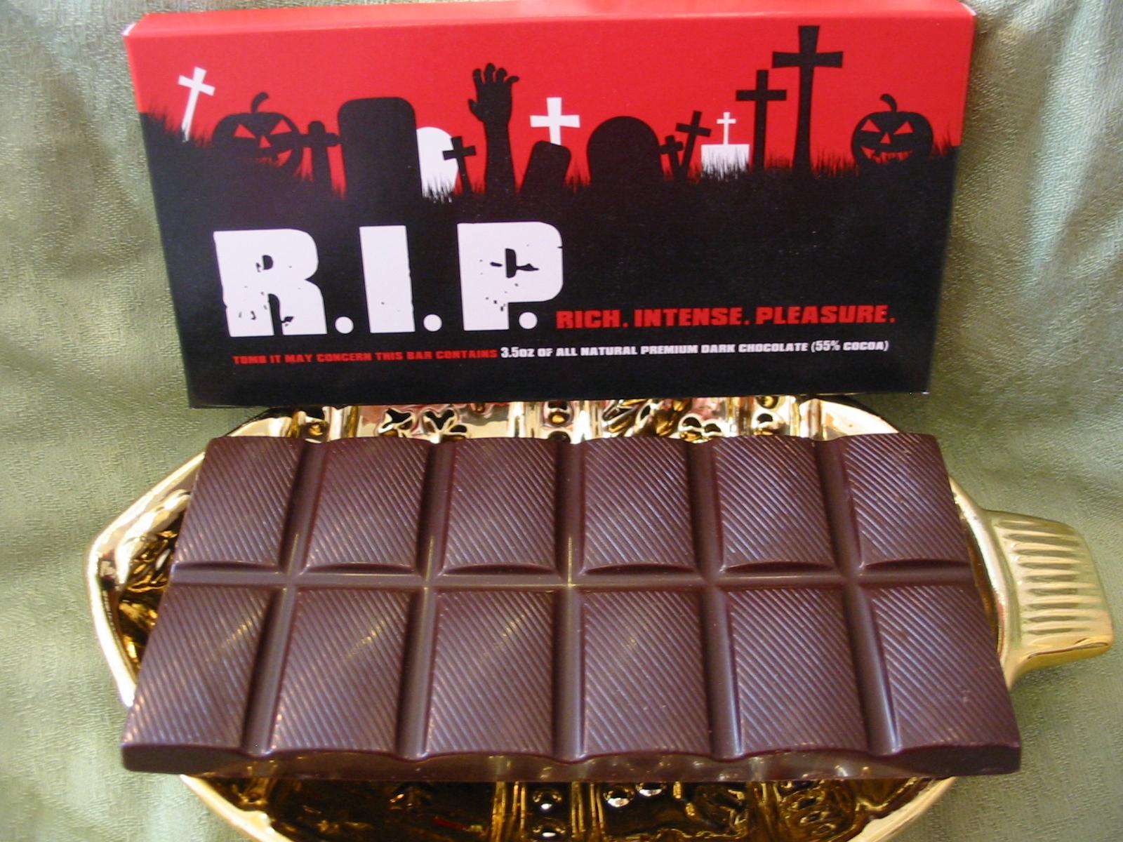 The Chocolate Cult: Scary Big Chocolate Bars