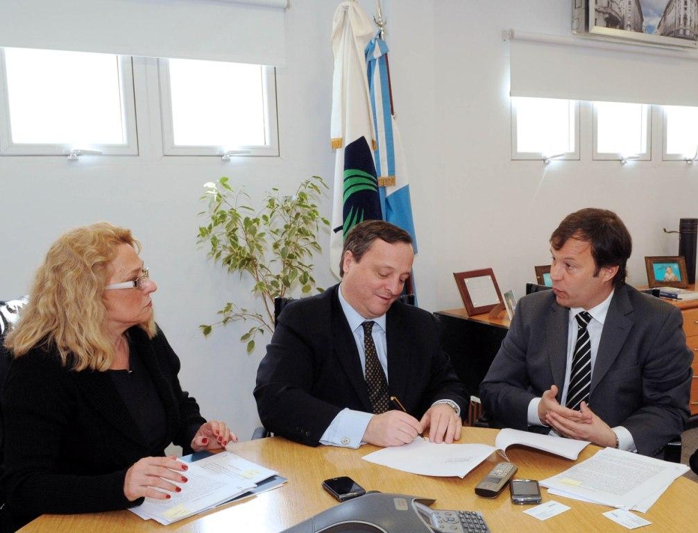 El informatorio acuerdo telef nica cedi 3 oficinas a la for Oficinas telefonica