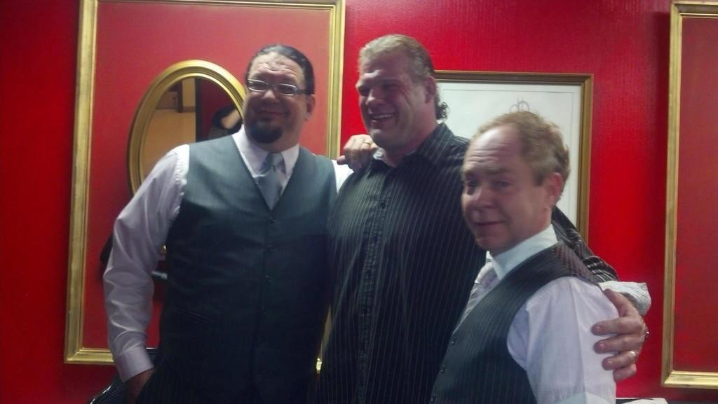 kane unmasked with hair backstage with penn amp teller