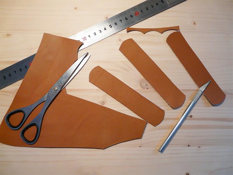 Découper les poignées dans la chute de cuir