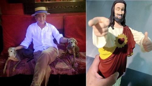 foto hasnul pegang anjing dan patung jesus