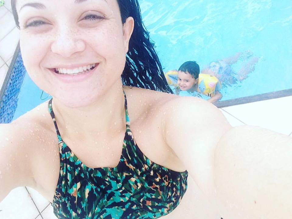 Vestido e t nis vlog um dia de f rias com a gente for Vlog in piscina