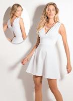 http://www.posthaus.com.br/moda/vestido-decote-v-branco-e-vazado-nas-costas_art184755.html?mkt=PH4322