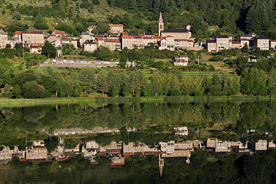 Image of Saint Martial village reflected on the lake