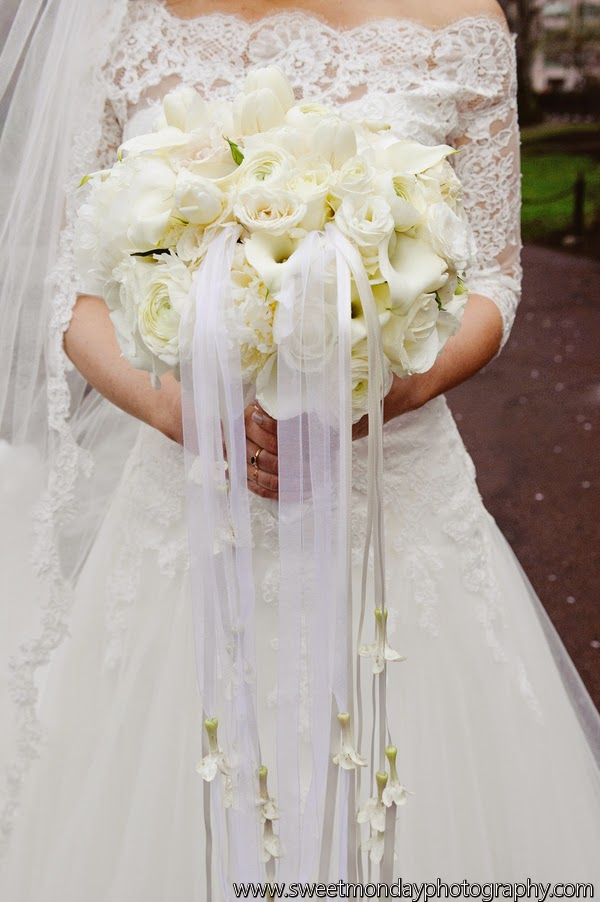 les fleurs : white bridal bouquet : hanging stephanotis : the taj : boston wedding florist