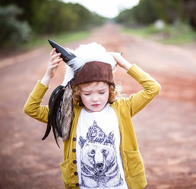 Bandit Kids - Cool kids tee with bear with paper hat print