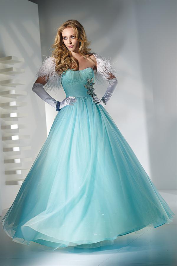 Blue Wedding Dress Simple : Simple wedding dresses for a blue decoration ideas