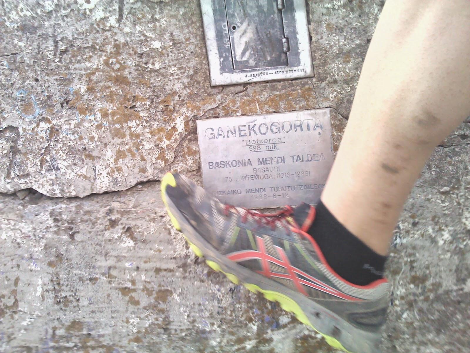 ganekogorta cima cumbre zapatilla