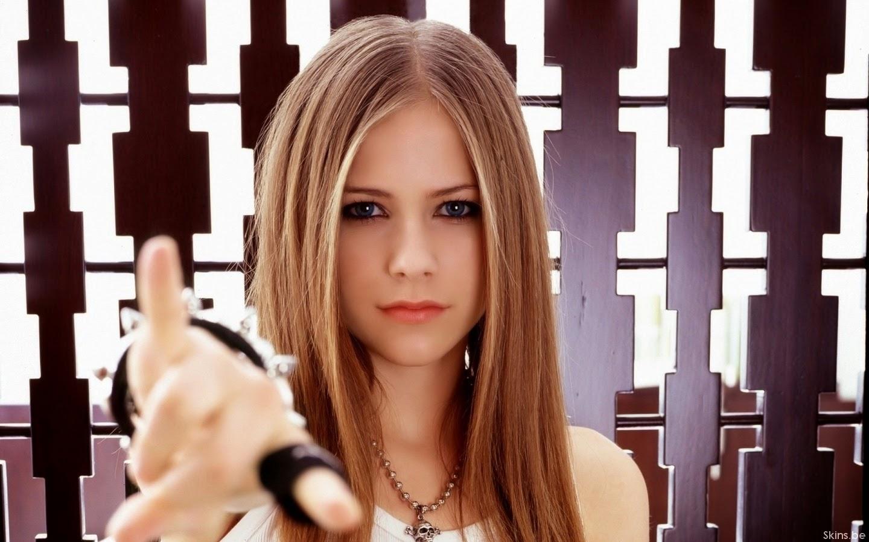 10 Lagu Terbaik dan Terpopuler Avril Lavigne