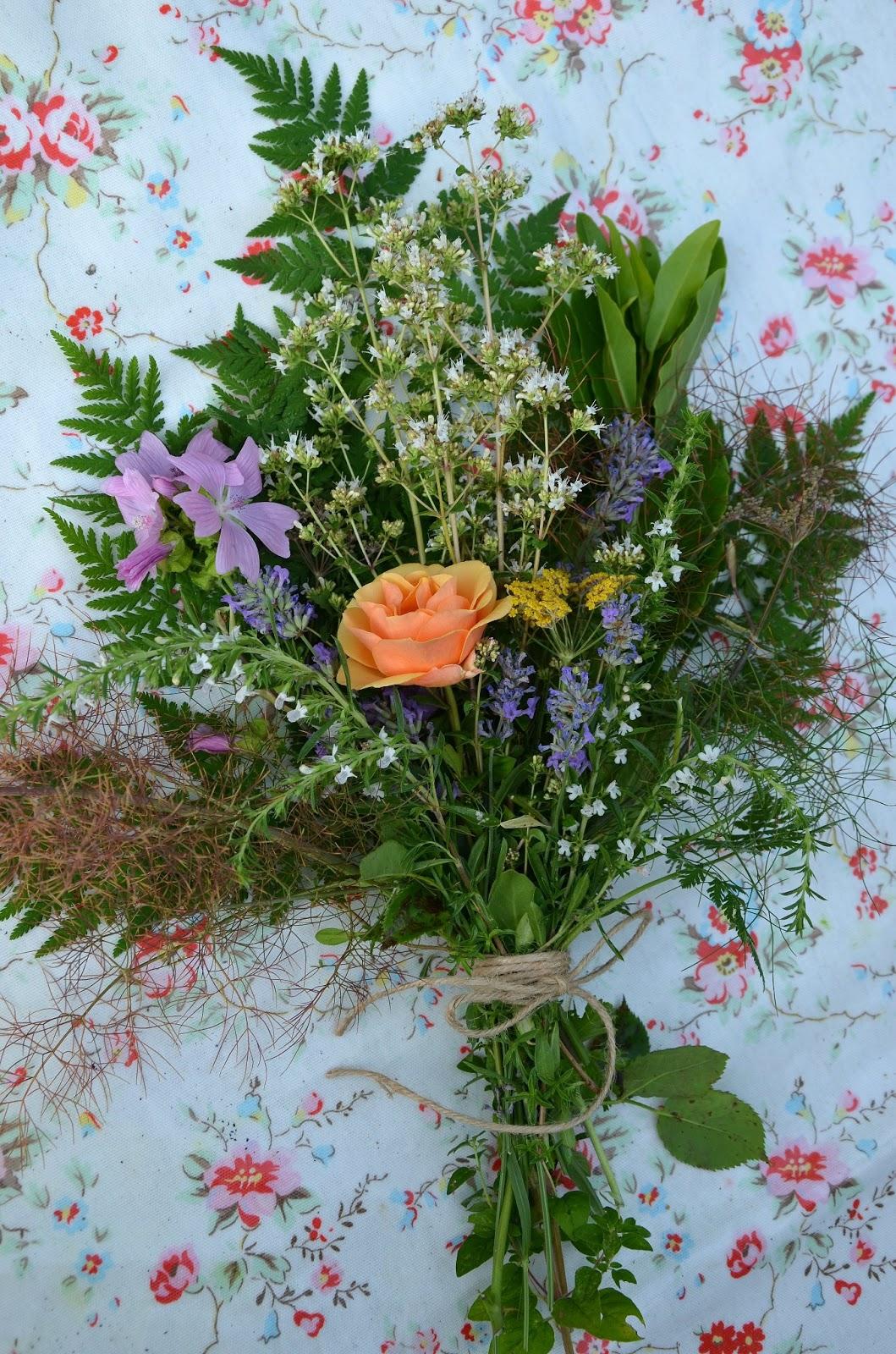 Chrissie Crafts: The edible bouquet