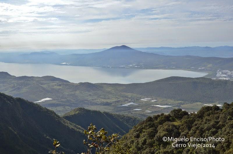Laguna de Chapala y Cerro García vistos desde el Cero Viejo - @Miguel Enciso