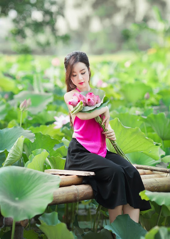 Girl xinh với áo yếm xưa 6