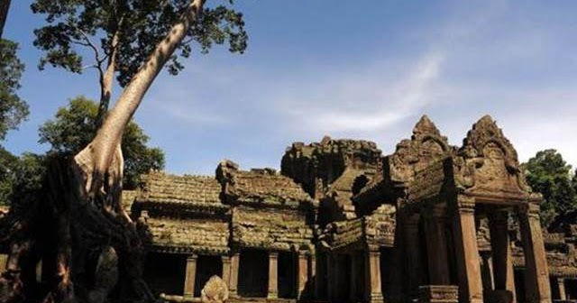 American Sisters Arrested In Cambodia For Nude Photos