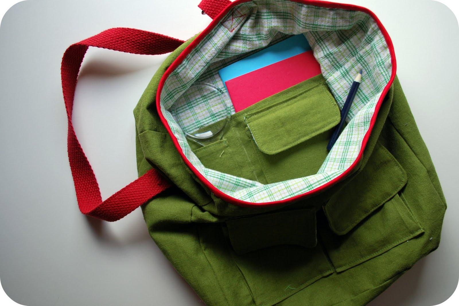 http://3.bp.blogspot.com/-Z-d-OKAHsC8/TglO3TSj4KI/AAAAAAAAFgo/BJYhJ5fTYmU/s1600/Nature+Explorer+Bag+Interior+Pockets.jpg