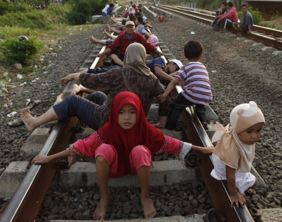 Dangerous Railway Therapy Practiced in Indonesia