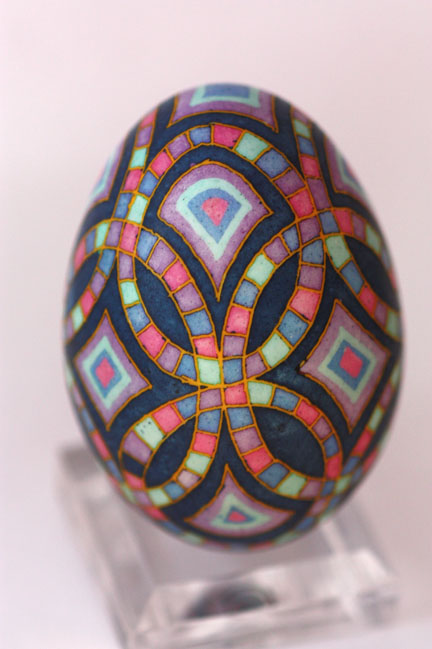 Wedding Ring Quilt Chicken Egg with Black Background
