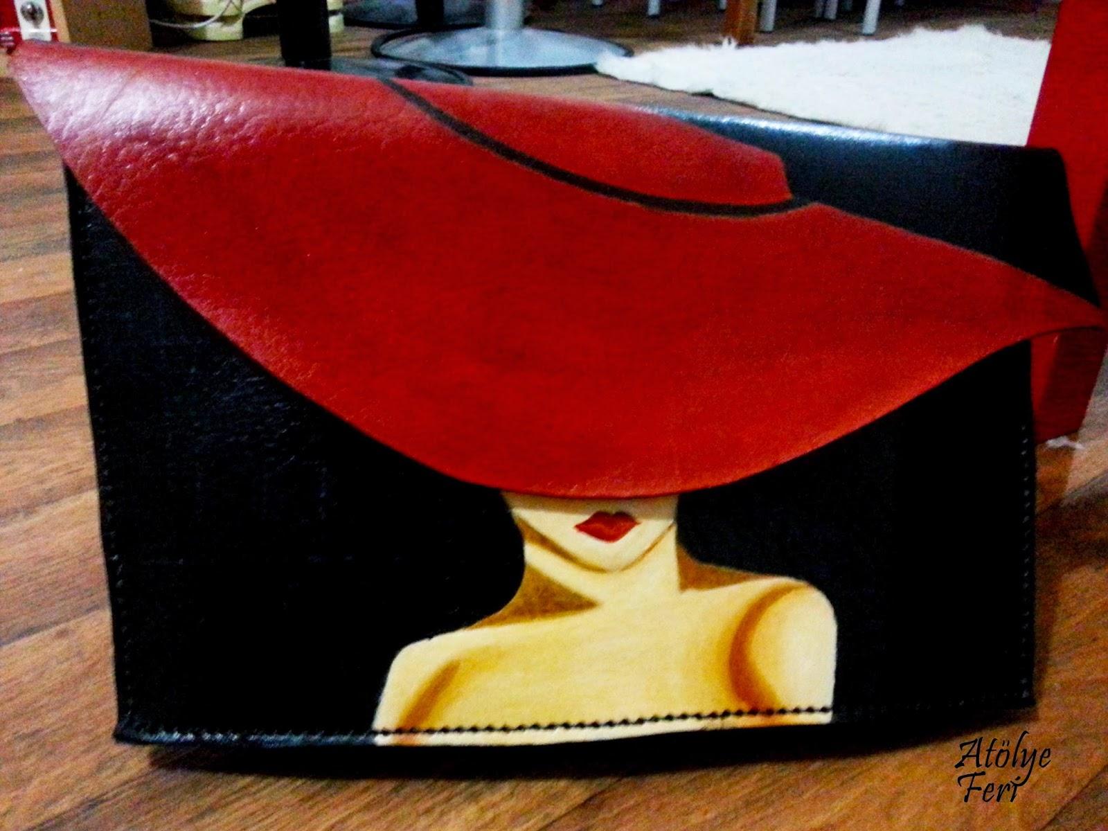 Gerçek Deriden El Yapımı Kırmızı Şapkalı Kadın