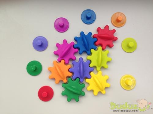 磁釘與齒輪接可拿下,迅速更換遊戲圖板