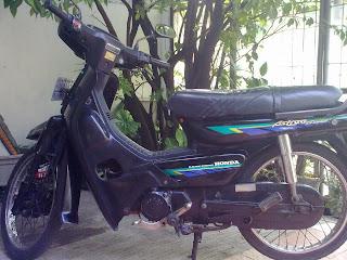Motor Honda*: Astrea Grand Antik