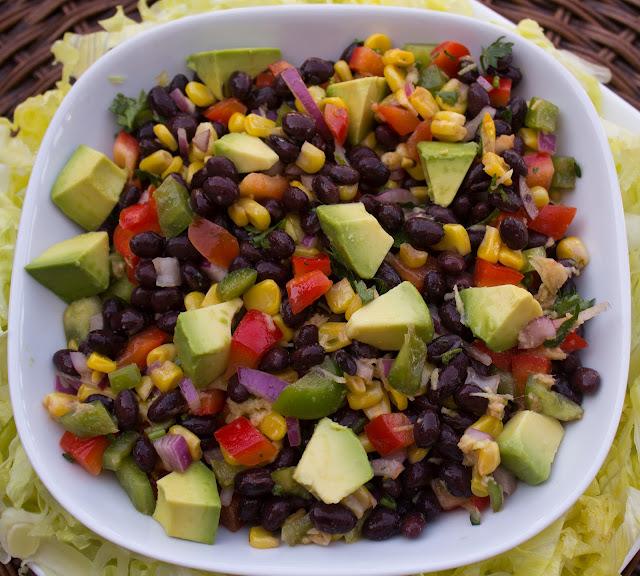 fabulous fridays: Black bean salad with avocado
