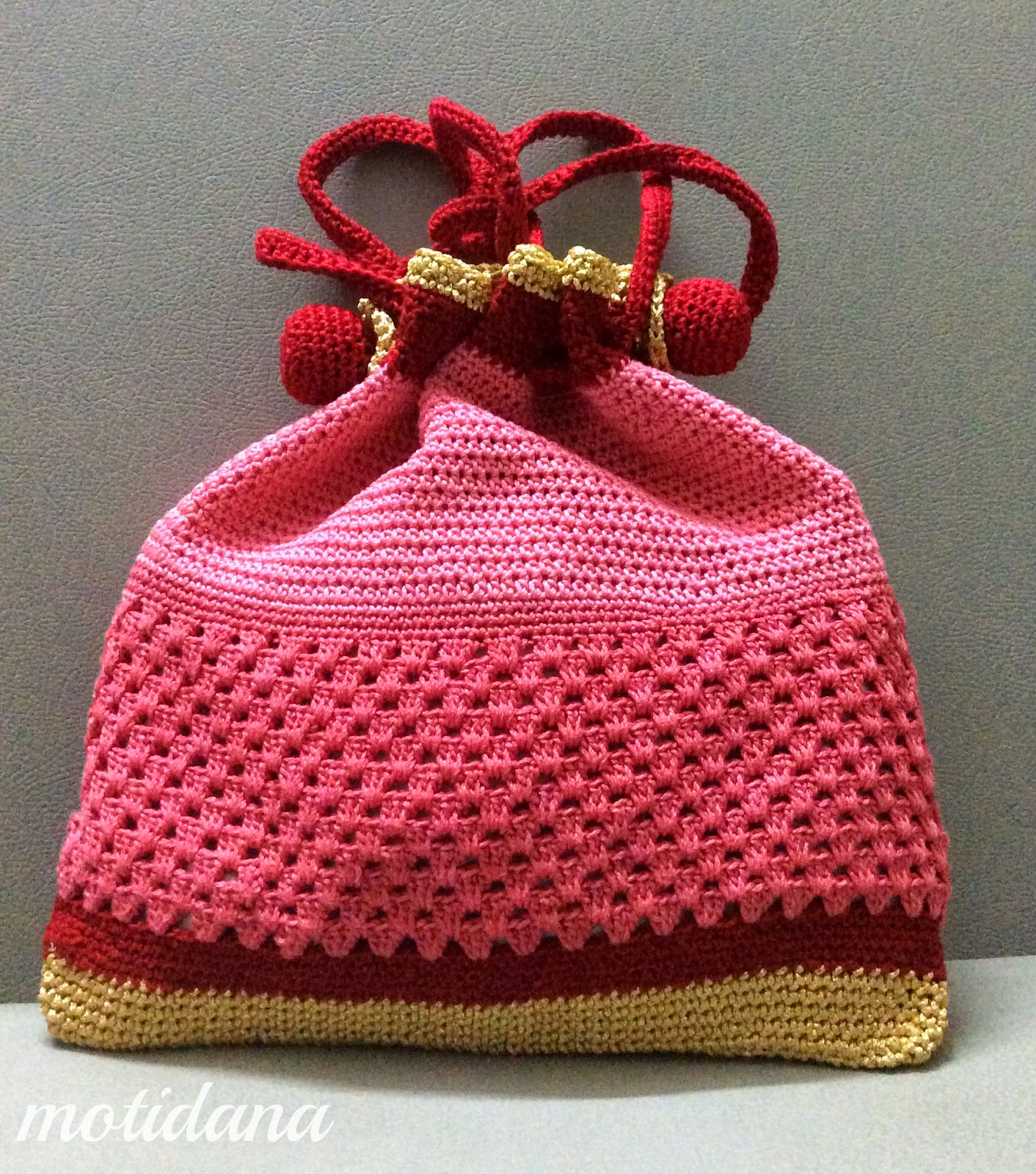 a purse in crochet