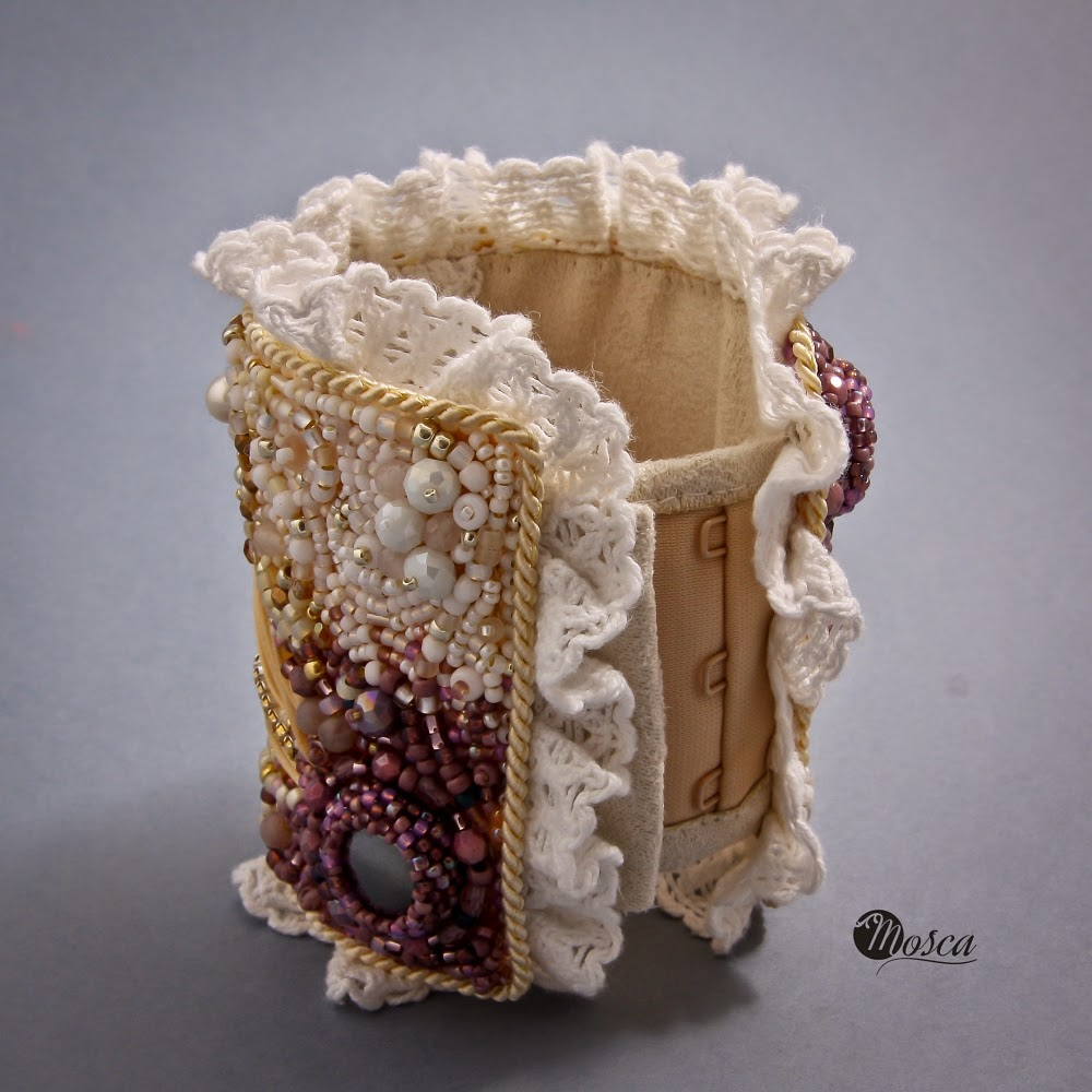 bransoleta haft koralikowy
