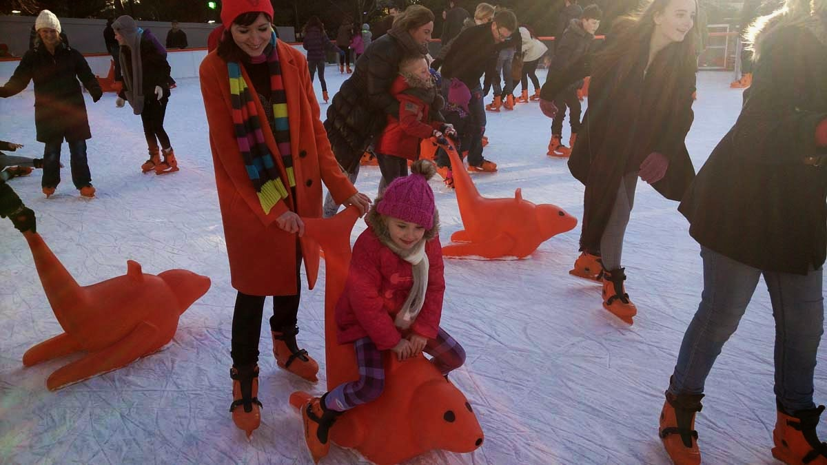 ice skating, in pictures, family fun, together, todaymyway.com