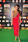 Shriya Sizzling in saree at IIFA Utsavam-thumbnail-10