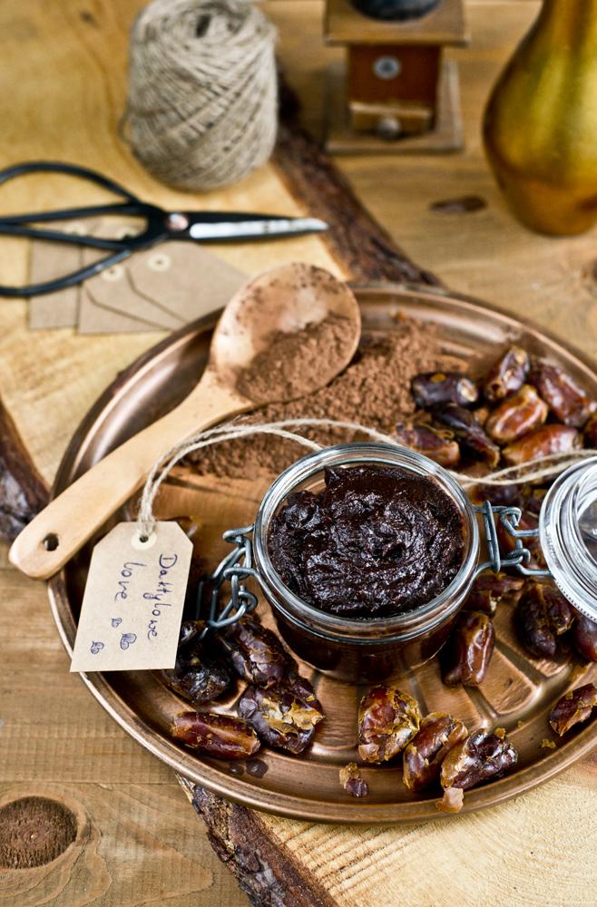 krem daktylowo- czekoladowy