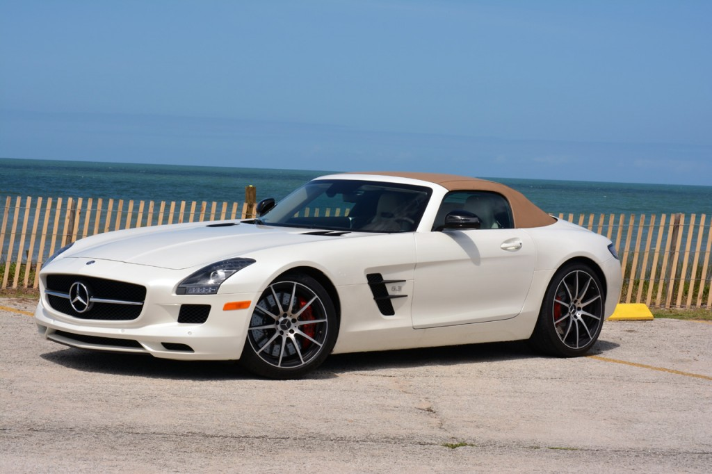 Passion for luxury 2013 mercedes benz sls amg gt roadster for Mercedes benz sls gt