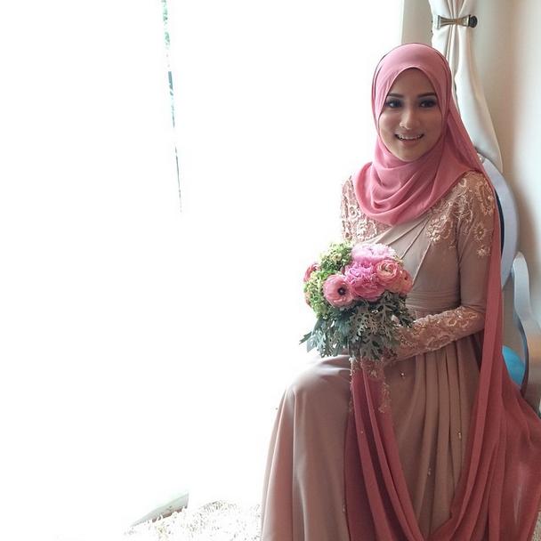 Gambar Pertunangan Hanis Zalikha dan Hairul Azreen