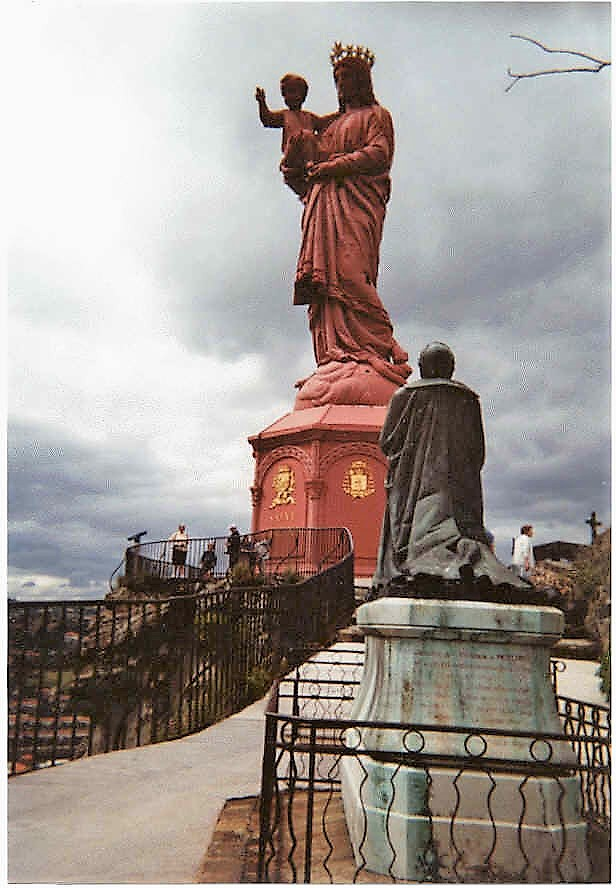 La vierge le Puy-en-Velay