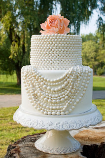 Amazing White Cakes, Wedding Cakes Photos