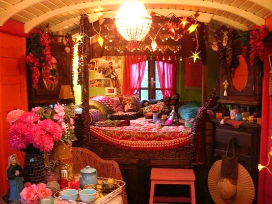The flying tortoise beautiful bohemian interiors of for Gypsy designs interior decorating